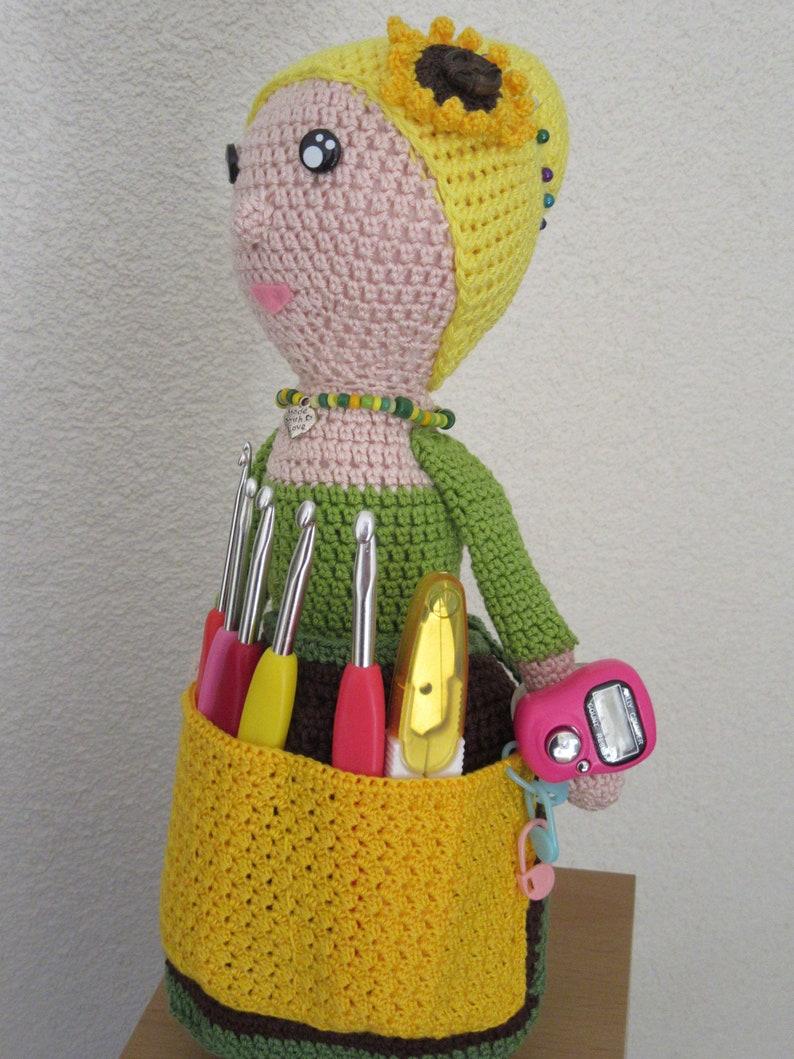 crafter granny Crochet doll pin cushion haak assistent Crochet assistant haakoma,zabbez assistante couturi\u00e8re,Crochet abuela costurero