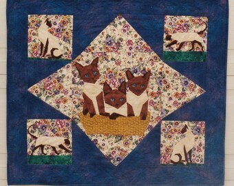 Quilt Pattern- Siamese, If You Please - for paper piecing, by Linda Hibbert, wall quilt, cats foundation piecing pattern