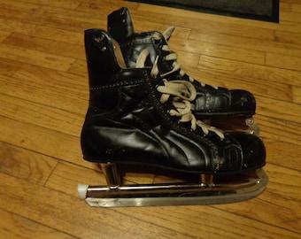 Vintage Mastercraft Leather Hockey Skates, Canadian Tire, vintage Mastercraft, vintage Canadian Tire