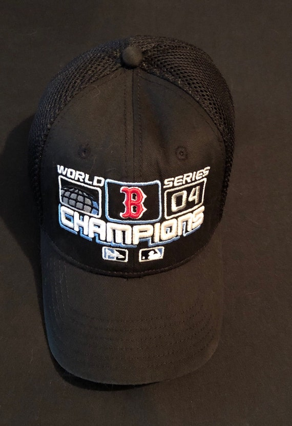 best service e610a 6c7a8 BOSTON Red Sox World Series Champions 04 Ball Cap Fits ALL!