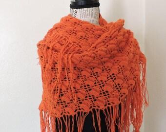 Châle écharpe triangle chauffe épaule orange pure laine d alpaga surfine  avec franges fines 018f6ba78e9