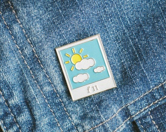 SUNNY 16 SERIES: F11 - for photography film analog lovers enamel pin