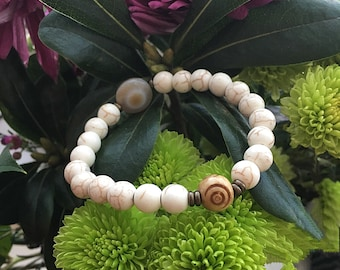 Zen Mala Bracelet | Agate | Howlite | Bohemian Mala Beads | Wrist Mala | Natural Crystals | Reiki Infused | Eases Anxiety | Diffuses Anger