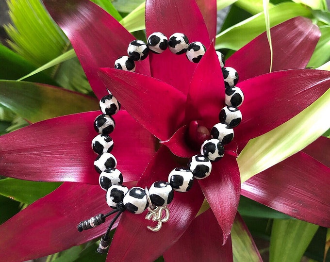 Featured listing image: Spiritual Growth Mala Bracelet | Black and White Patterned Tibetan Dzi Agate | Natural Reiki Infused Mala Beads | Realigns Energy Field