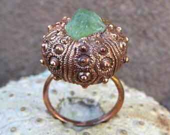Rough peridot copper ring | Electroformed sea urchin ring | Copper urchin shell ring with rough olivine