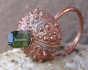 Rough green tourmaline copper ring | Electroformed sea urchin ring | Copper urchin shell ring with tourmaline crystal