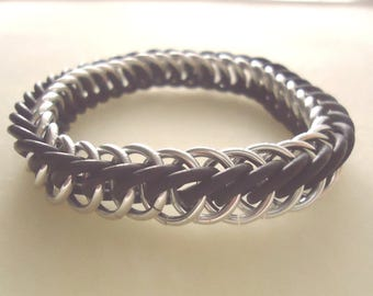 POW (Prisoner Of War) / MIA (Missing In Action) Remembrance Silver & Black Stretchy Chainmail Memorial Bracelet - Military, Veterans Day