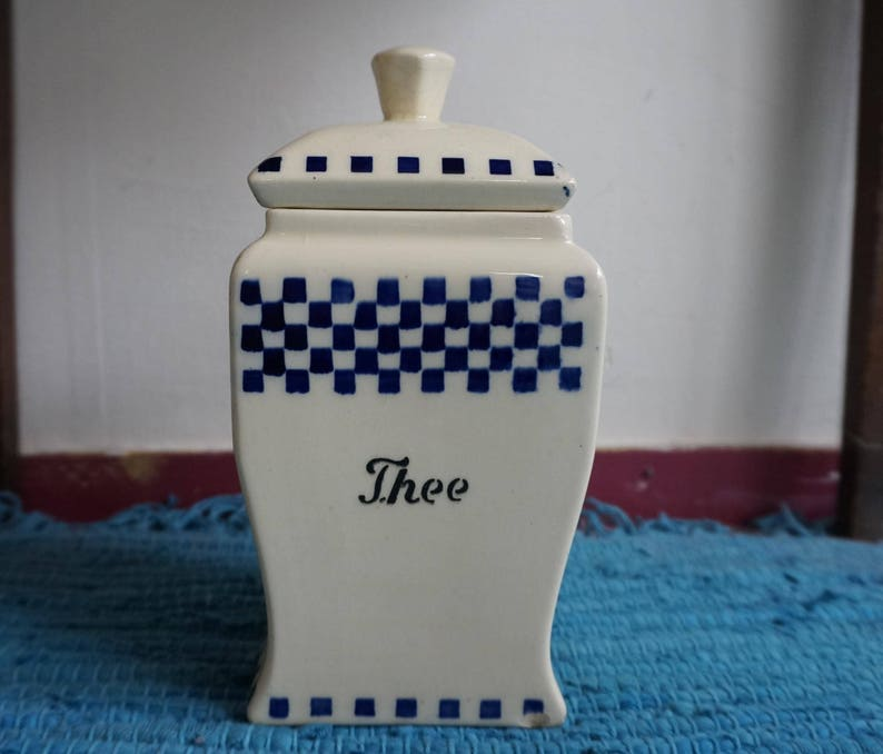 Art deco air brush / Spritzdekor tea canister / jar ca 1920  Blue white  checkered decor  No 1171  Retro pottery  Great grandmothers kitchen