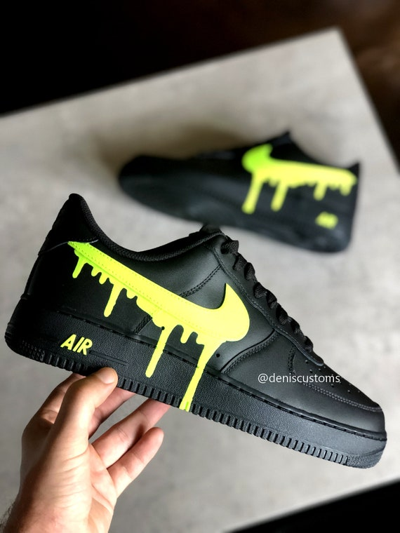 Nike Air Force 1 Schwarz mit Neon Green Drip Design