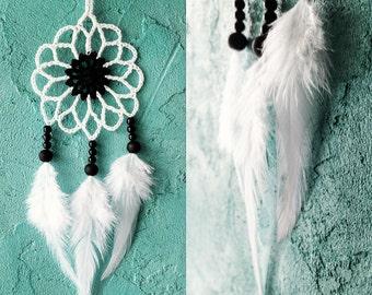 Mini white black dream catcher car dreamcatcher crochet doily dream catchers feathers boho dreamcatcher wrap packing decor