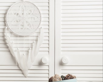 White Dream Catcher Crochet Doily Dreamcatcher white feathers boho dreamcatchers wall hanging wall decor wedding decor wooden beads