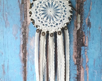 Brown White Dream Catcher, rustic medium dreamcatcher, bedroom decor, boho style, wall hanging, wall decor, handmade dreamcatcher
