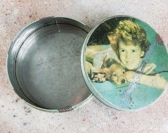 Woman with daisies and red dress on a summer/'s day Liverpool Ltd. W /& R Jacob and Co Vintage octagonal biscuit storage tin