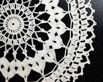 White Crochet Doily, lace doily, home decor, table decoration, handmade, center piece, napkin
