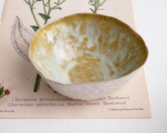 Handmade Ceramic yellow  ring holder dish, yellow ring dish,  yellow ceramic bowl, yellow pottery ring display dish, yellow jewellery dishes