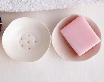 Handmade mini white ceramic soap dish, white pottery soap dish, white porcelain soap dish, white soap holder, white bathroom decoration