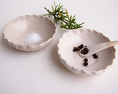 Handmade mini white textural pottery salt and pepper dish, mini pottery condiment dish, ceramic white mini dish,mini white ceramic salt dish