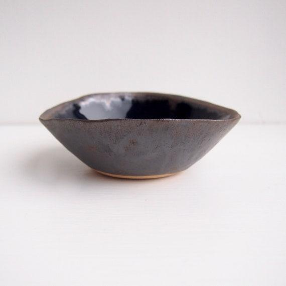 blue ceramic ring holder gold pottery ring dish gold ceramic ring dish blue bowl Handmade blue gold ceramic jewellery dish Navy