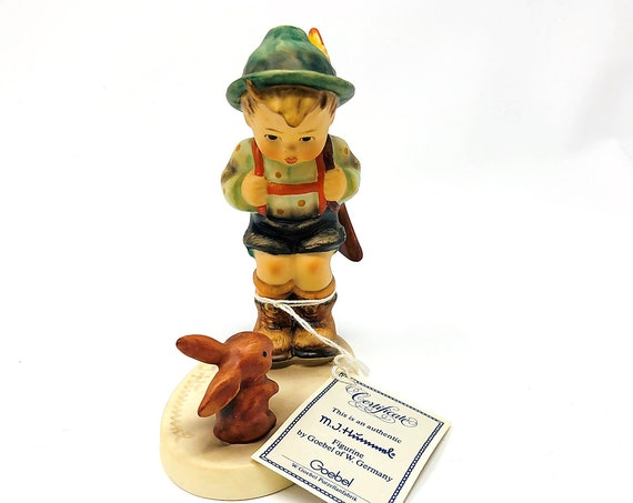 Vintage 1988 Hummel Goebel SENSITIVE HUNTER Figurine by Goebel of W. Germany - With Original Certificate - MINT