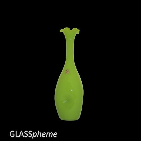Midcentury Mod Italy/Empoli Lime Green Cased Glass Vase w/Opalino Italia Label