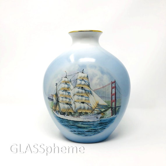 C.1980 BING & GRONDAHL Copenhagen Porcelain Windjammer Collection LIMITED Edition Vase -- Mint