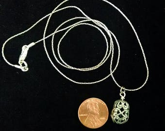 Essential oil aromatherapy necklace