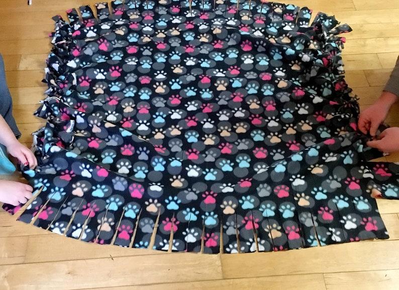 Tied Fleece Blanket Tutorial