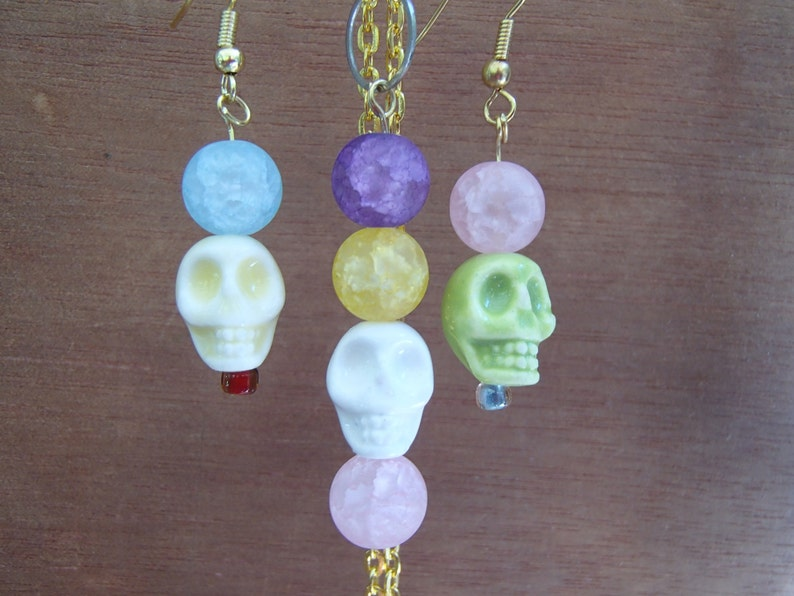 SHIPPING Day of the Dead Dia de los Muertos. Halloween Skull Macabre Earrings with Matching Necklace- FREE U.S