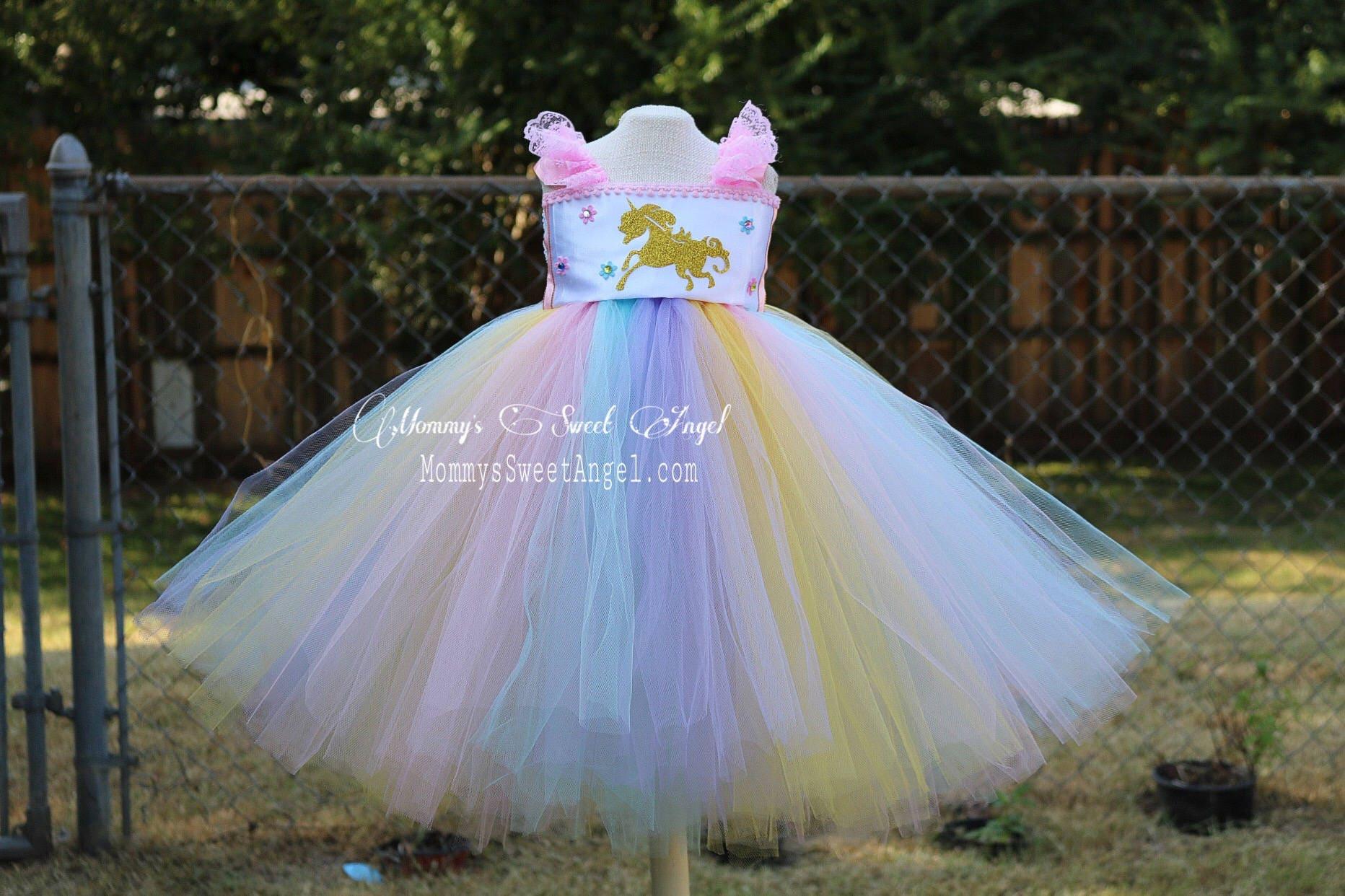 10b064c6b Vestido de tutu unicornio arco iris. Vestido de desfile.