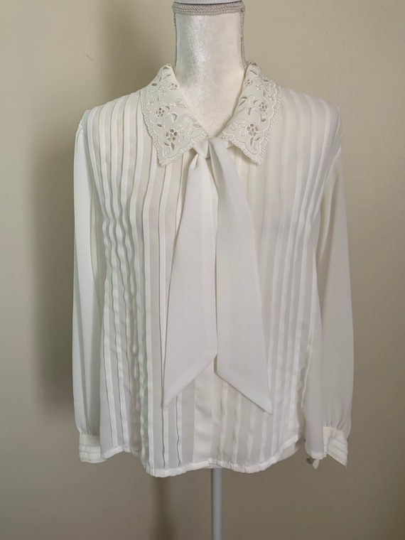 Vintage Sheer Cream Statement Collar Pleat Front … - image 6
