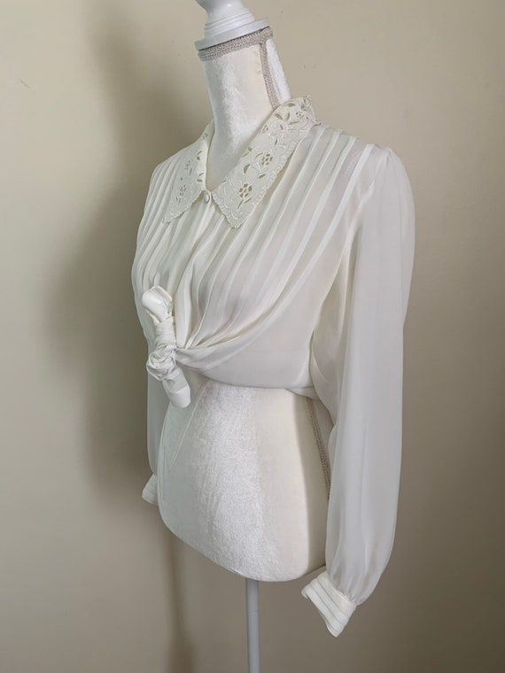 Vintage Sheer Cream Statement Collar Pleat Front … - image 4