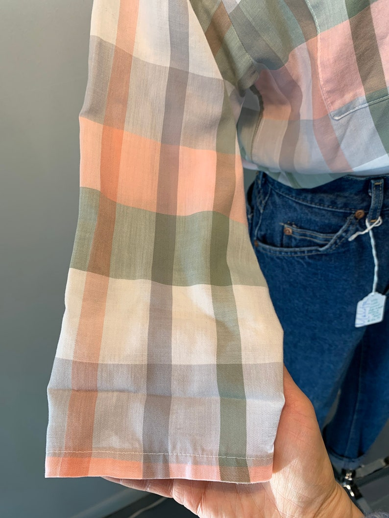 Vintage Pale Pink /& Olive Shadow Plaid Button Up