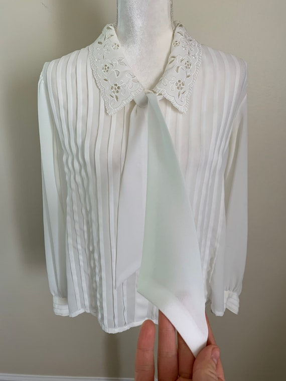 Vintage Sheer Cream Statement Collar Pleat Front … - image 7