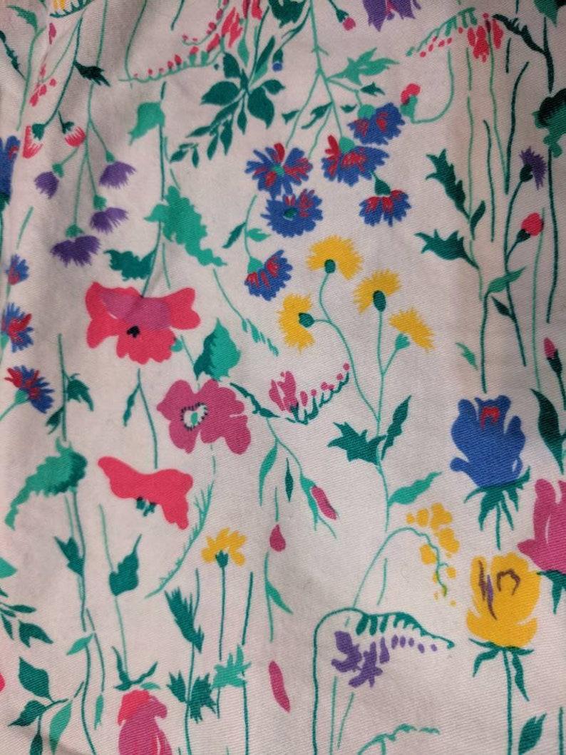 Vintage 90s Sleeveless Whimsical Floral Button Up Fuchsia Yellow Green on White