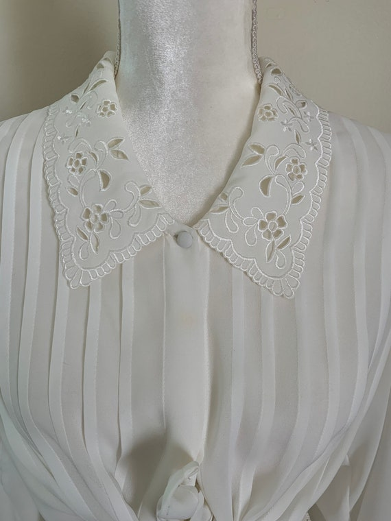 Vintage Sheer Cream Statement Collar Pleat Front … - image 3