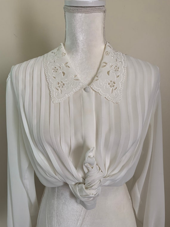 Vintage Sheer Cream Statement Collar Pleat Front … - image 2
