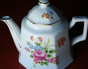 Gold Lame Teapot with Wildflower Decoration
