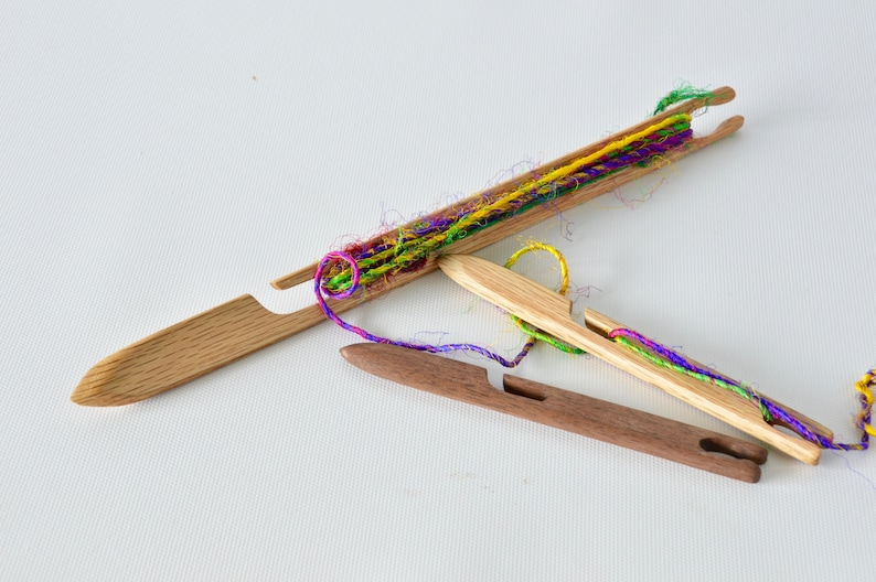 SHUTTLE-Squid and Swordfish Needle End Stick Shuttle for Loom image 1