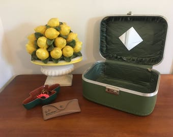 Green Suitcase / Train Case / Make-Up Bag - 1960s VINTAGE
