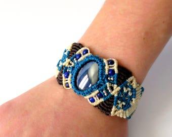 Macrame bracelet with stones