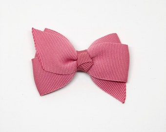 Pinks- Medium Size Boutique bow w/ Knotted Middle ribbon hair clip/ Non-slip hair clip/ Newborn hair bow/ Baby hairclip/ Infant hair clip/ H