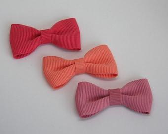 Solid color grosgrain ribbon bow hair clip/ Pinks / Pigtails/ Non-slip hair clip/ Newborn hair bow/ Baby/ Infant hair clip/ Handmade