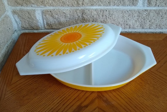 Pyrex Oval Daisy Sunflower Divided 1 12 Quart Casserole Etsy