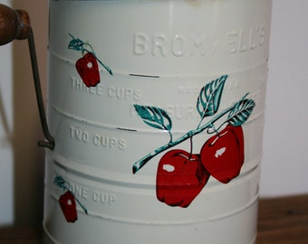 Three cup flour sifter; Bromwell's measuring sifter; apple decoration; country kitchen; b-14