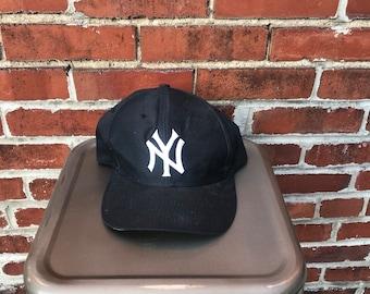 watch f143f a50ab 90 s Logo 7 New York Yankees Snapback Hat