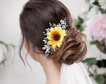 Sunflower hair accessory Sunflower hair piece Sunflower wedding clip Fall floral hairpiece Fall wedding Yellow bridal headpiece
