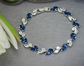 Blue bracelet Sapphire blue bracelet Blue bridal bracelet Wedding bracelet Navy blue bracelet cz jewelry Something blue Navy Wedding