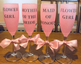 Wedding glitter glass champagne flutes perfect gift present bridesmaid bestie bride groom thank you gift