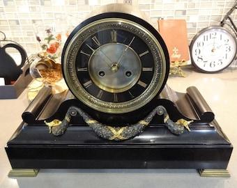 Antique mantelpiece clock
