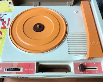Vintage Fisher Price Record Player (Model 825, 1978), with 5 Records Included!
